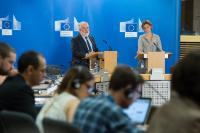 Press conference by Miguel Arias Cañete, Member of the EC, on the preparations under way ahead of COP21/CM11
