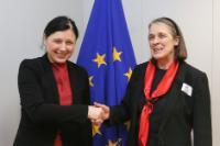Visite de Susan Denham, juge en chef de la Cour suprême d'Irlande et présidente du réseau des présidents des Cours suprêmes des états membres de l'Union européenne, à la CE