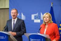 Conférence de presse conjointe par Corina Creţu, membre de la CE, et Siim Kallas, président du groupe de haut niveau d'experts indépendants chargé du suivi de la simplification pour les bénéficiaires des Fonds structurels et d'investissement européens (Fonds ESI)