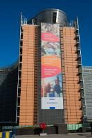 The banner 'European Pillar of Social Rights' on the Berlaymont building