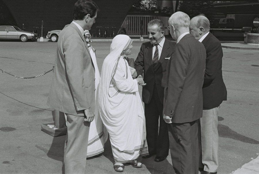 Visit of Mother Teresa, Nobel Prize for Peace in 1979, to the EC