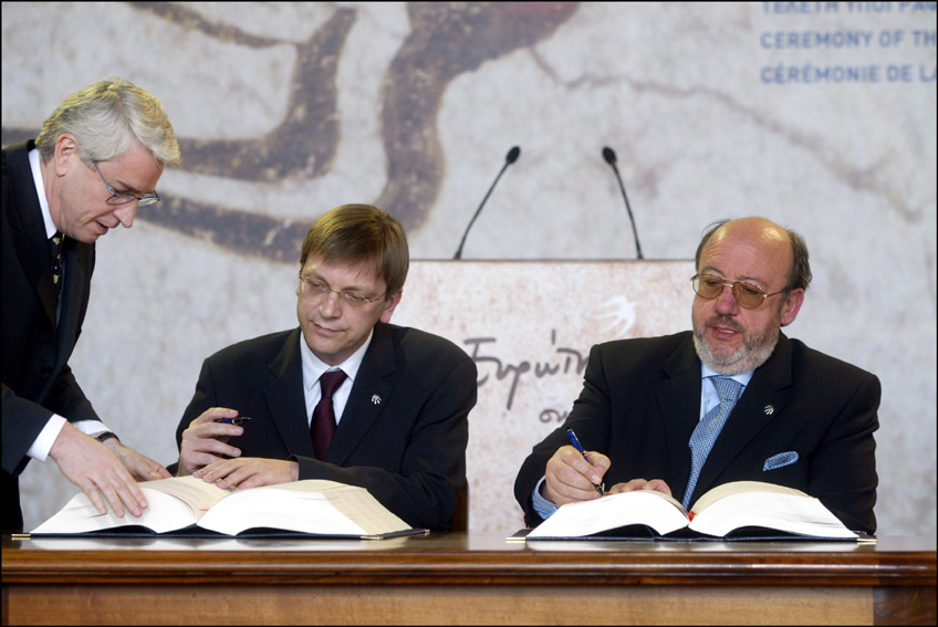 Signing ceremony of the accession treaty of the New Member States of the EU