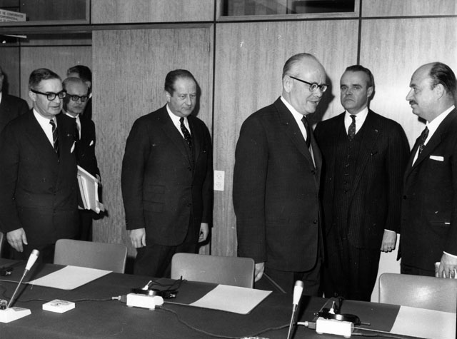 Opening of negotiations between the EEC and Austria