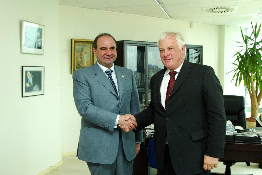 Visite de Zurab Zhvania, Premier ministre géorgien, à la CE