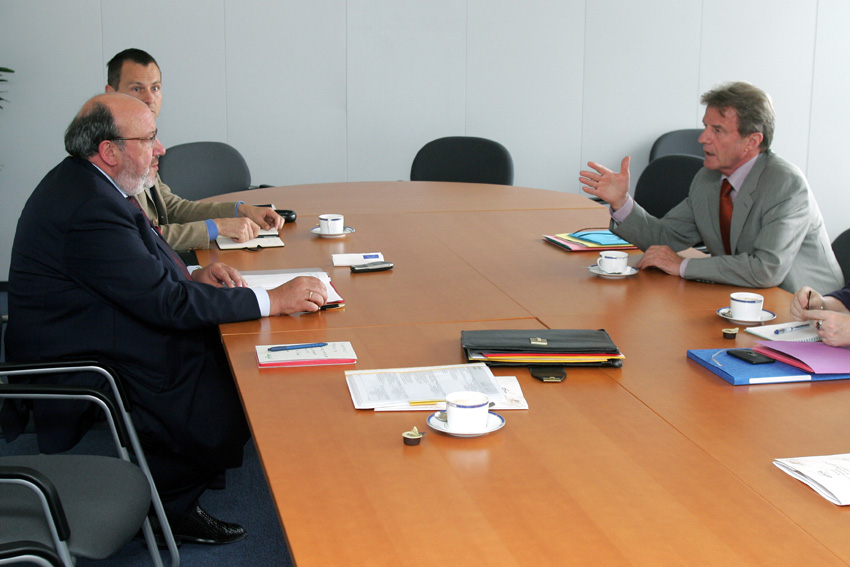Visit of Bernard Kouchner, Chairman of the Board of Esther, to the EC