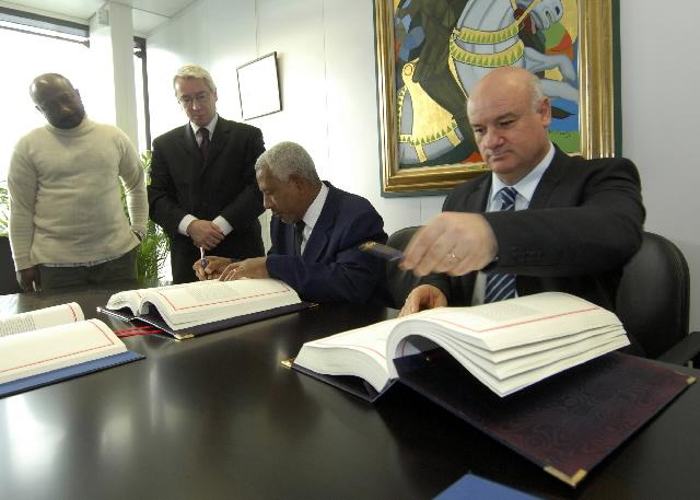 Signature d'un accord de partenariat en matière de pêche UE/Comores