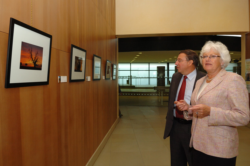 Mariann Fischer Boel, Member of the EC, at the exhibition of photographs