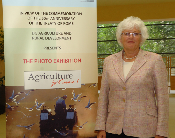 Mariann Fischer Boel, Member of the EC, at the exhibition of photographs Agriculture, je t'aime