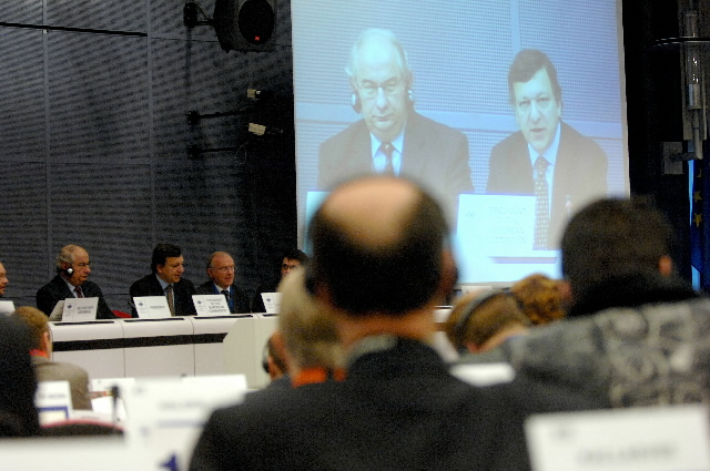 Participation of José Manuel Barroso, President of the EC,  at the dialogue with regional and local authority associations