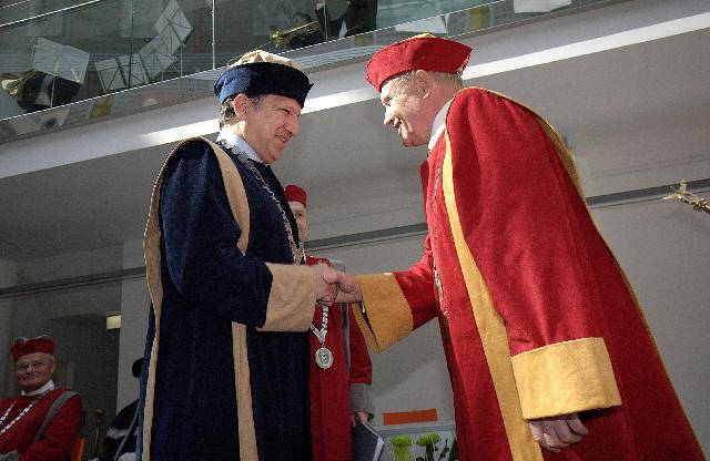 Remise du titre de docteur honoris causa de l'Université Tomas Bata, à José Manuel Barroso, président de la CE