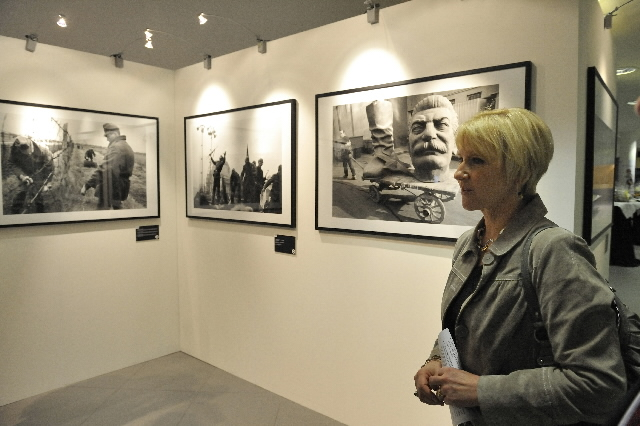 Opening of the 'Europe, whole and free' exhibition by Margot Wallström and Olli Rehn, Members of the EC