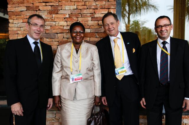 Visite d'Andris Piebalgs, membre de la CE, en Ouganda