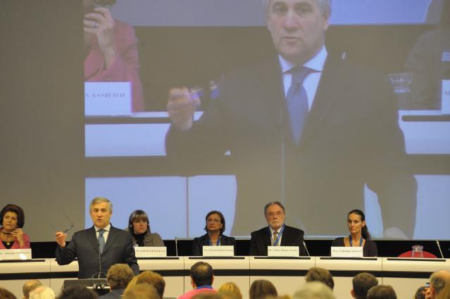 Participation d'Antonio Tajani, vice-président de la CE, et Androulla Vassiliou, membre de la CE, à la conférence sur La journée européenne du tourisme