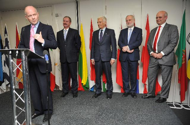 Opening of the new building of the EC and EP, the Europe House, in London by Siim Kallas, Vice-President of the EC, and Jerzy Buzek, President of the EP