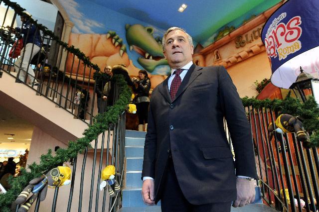 Visite d'Antonio Tajani, vice-président de la CE, en Italie dans le cadre de la campagne pour la sécurité des jouets
