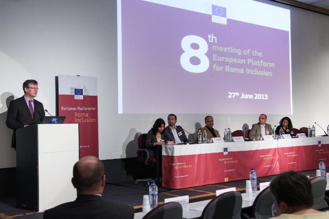Participation of Viviane Reding, Vice-President of the EC, and László Andor, Member of the EC, in the meeting of the Roma Platform