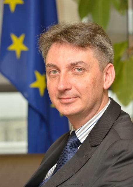 Jacek Dominik, membre de la CE