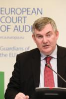 "Illustration of ""Press conference by Kevin Cardiff, Member of the European Court of Auditors, on the effectiveness of..."