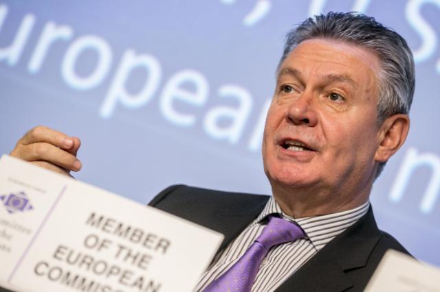 Participation de Karel De Gucht, membre de la CE, à la session plénière du CdR sur le thème du PTCI