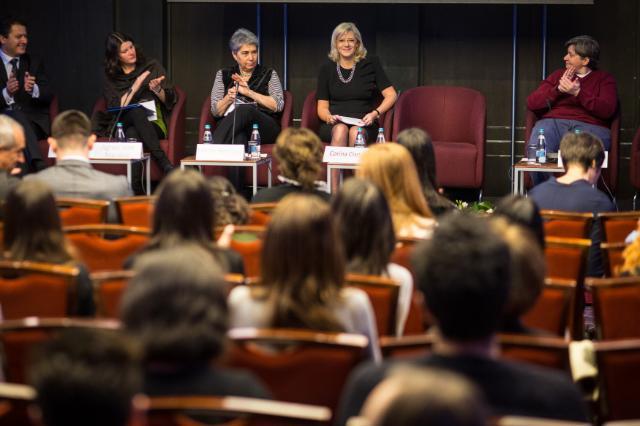 Participation de Corina Creţu, membre de la CE, à la conférence annuelle d'Eurochild 2014
