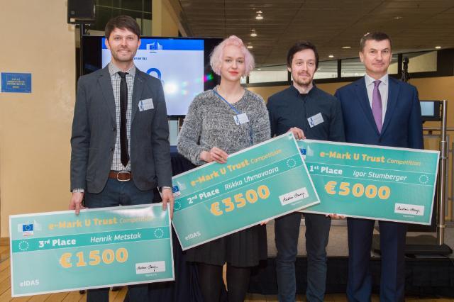 Andrus Ansip préside la remise des prix du concours 'E-Mark U-Trust'