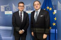 Visite de Luís de Almeida Sampaio, représentant permanent du Portugal auprès de l'OTAN, à la CE