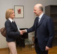Visite d'Hélène Crocquevieille, directrice générale de la Direction générale des douanes et droits indirects auprès du ministère français des Finances et des Comptes publics, à la CE