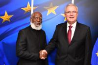 Visit of Wilfred Peter Elrington, Belizean Minister for Foreign Affairs, to the EC
