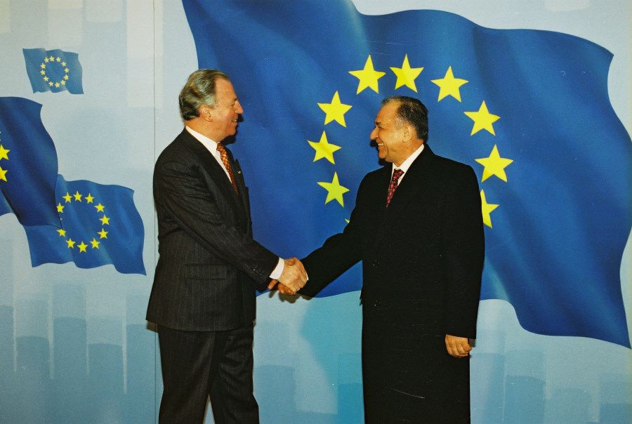 Visit of Ion Iliescu, President of Romania, to the EC