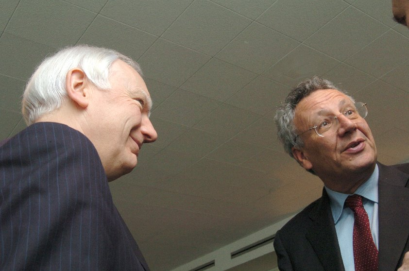 Visit of Philippe Maystadt, President of the European Investment Bank, to the EC
