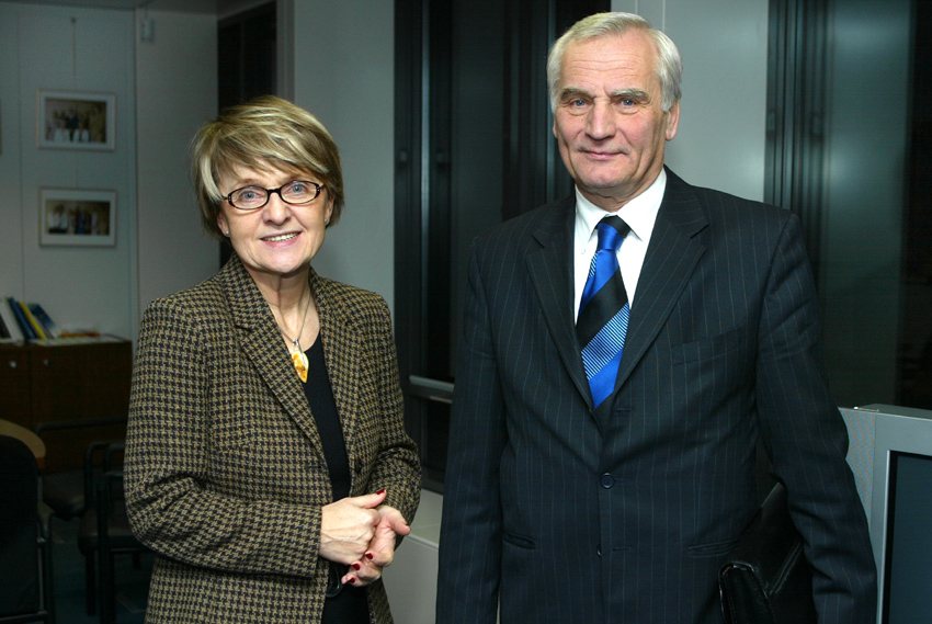 Visit of Etele Baráth, Hungarian Minister without portfolio in charge of European Affairs, to the EC