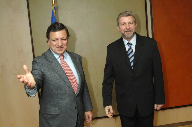 Visit by Aleksander Milinkievich, Belarusian opposition presidential candidate, to the EC