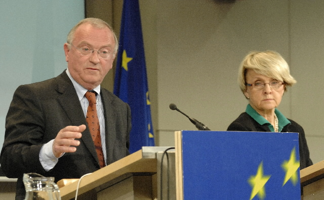 Joint Press Conference with Danuta Hübner, Member of the EC, and Luc Van den Brande, President of the Committee of the Regions