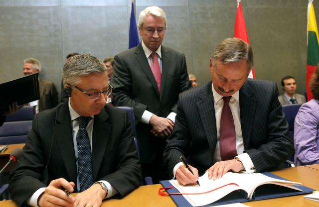 Signature of the Second Stage 'Open Skies' agreement between the EU and the United States
