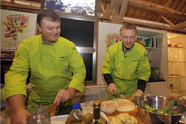 Participation of Janez Potočnik, Member of the EC, at the action the Commissioner Cooks, in the framework of the Week of Taste, under the Belgian Presidency of the EU