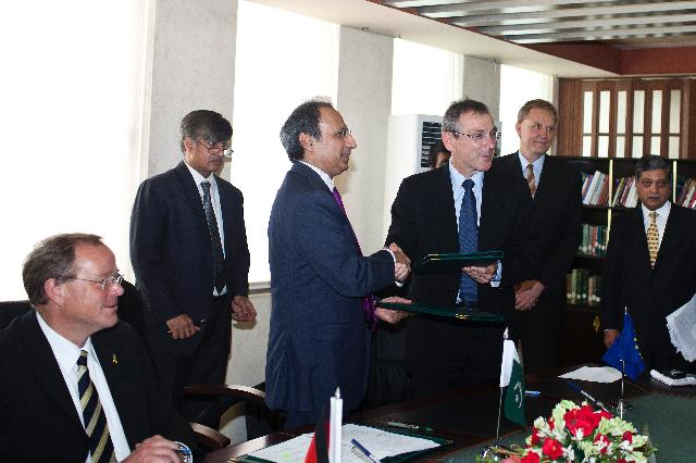Visit of Andris Piebalgs, Member of the EC, to Pakistan