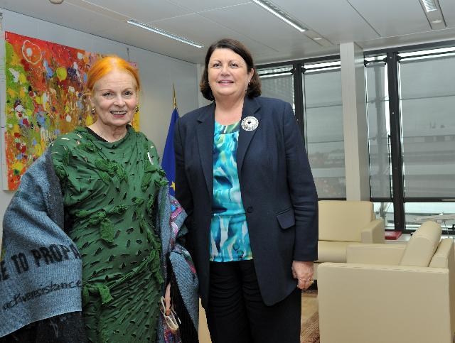 Visit of Vivienne Westwood, British fashion designer, to the EC