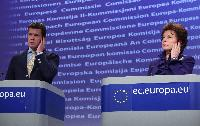 Joint press conference by Karl-Theodor zu Guttenberg, Member of the Center for Strategic and International Studies, and Neelie Kroes, Vice-President of the EC, on the launch of the