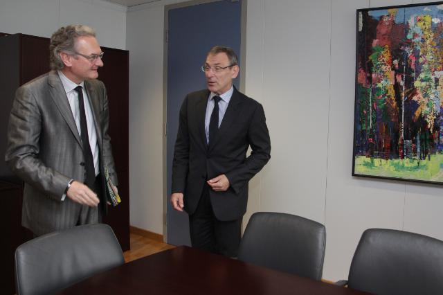 Visit of Jean-Pascal Labille, Belgian Minister for Public Enterprises and Development Cooperation, in charge of Larger Towns Policy, to the EC