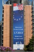 The Berlaymont building with a 'Welcome Croatia' banner