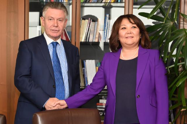 Visit of Zhanar Aitzhanova, Kazakh Minister for Economic Integration, to the EC