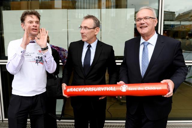 Participation d'Andris Piebalgs et Neven Mimica, membres de la CE, à la campagne 'La course pour la survie' 2014 organisée par Save the Children