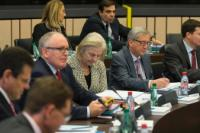 Jyrki Katainen, Vice-President of the EC in charge of Jobs, Growth, Investment and Competitiveness, Maroš Šefčovič, Vice-President of the EC in charge of Energy Union, Frans Timmermans, First Vice-President of the EC in charge of Better Regulation, Inter-Institutional Relations, the Rule of Law and the Charter of Fundamental Rights, Catherine Day, Secretary-General of the EC, Jean-Claude Juncker and Martin Selmayr, his Head of cabinet (in the foreground, from left to right)