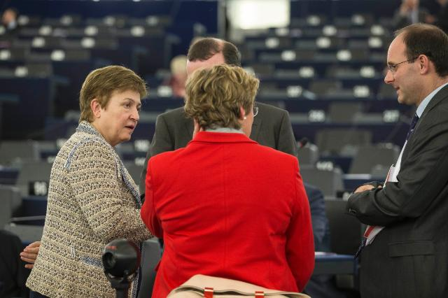 Participation of Jean-Claude Juncker, President of the EC, in the EP plenary session