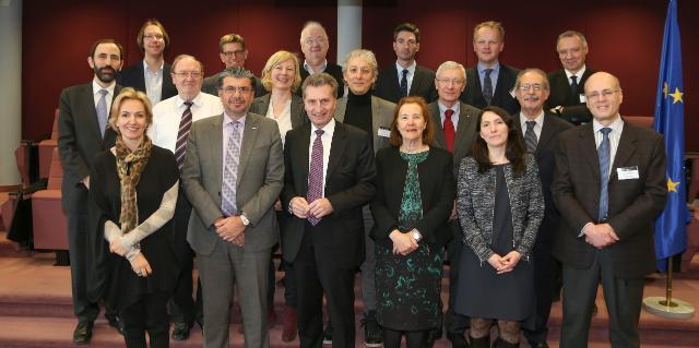 Participation de Günther Oettinger, membre de la CE, à la réunion des responsables européens du numérique