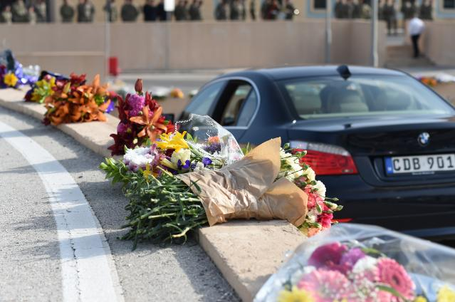 Participation of Dimitris Avramopoulos and Karmenu Vella, Members of the EC, at the funeral of 24 migrants in Malta