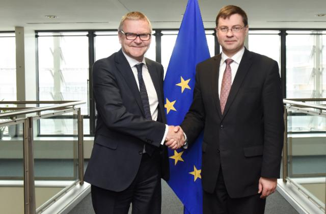 Visit of Lars Rohde, Chairman of the Board of Governors of the National Bank of Denmark, to the EC