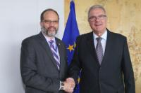 Visit of Irwin LaRocque, Secretary General of Caricom and of Cariforum, to the EC