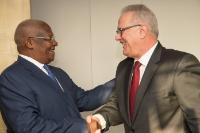 Visite de Sam Kutesa, ministre ougandais des Affaires étrangères, à la CE
