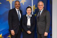 Visite de John Frank, vice-président pour les Affaires gouvernementales de l'UE chez Microsoft et chef du bureau Microsoft de Bruxelles et Eric Holder, ancien secrétaire américain à la Justice, à la CE